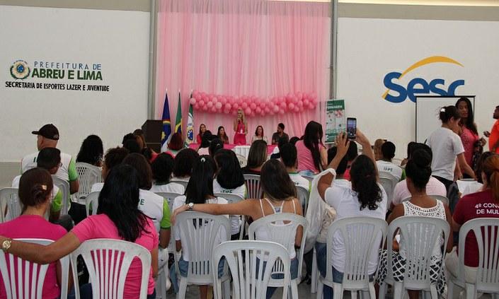 Campus Abreu e Lima promove ação de conscientização sobre o Outubro Rosa