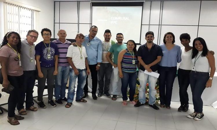 https://portal.ifpe.edu.br/campus/afogados/noticias/ifpe-afogados-se-reune-com-movimentos-sociais-e-povos-do-campo/comrural/@@images/de4584d2-d718-4f52-b6d2-62462d1b367c.png