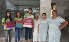 Estudantes do Campus participaram da entrega das doações