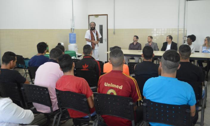 Curso profissionalizante integra jovens do Case e Casem