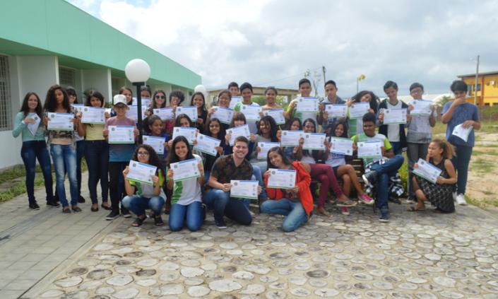 Curso de Inglês certifica estudantes de escola pública
