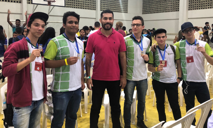 Estudantes conquistam medalhas em etapa estadual da Olimpíada de Robótica