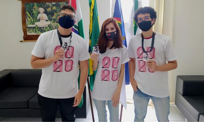 Estudantes conquistam medalhas em Olimpíada de História