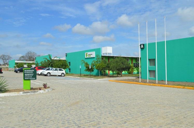 Fachada Campus.JPG