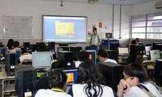 """Minicurso """"Objetos de Aprendizagem: possibilidade de uso das tecnologias na aula de Química"""""""