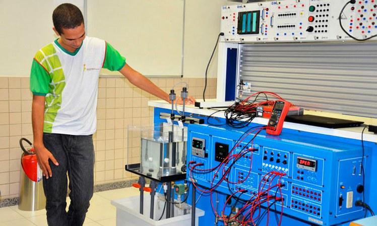 Automação Industrial.jpg