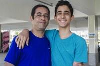 George marcou presença no primeiro dia de atividade do filho, Gustavo