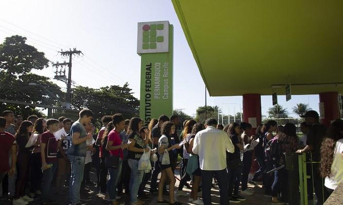 Provas do Vestibular do IFPE mobilizam 8.921 estudantes